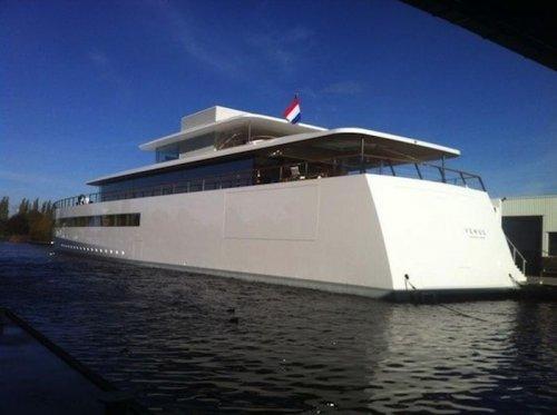 Яхта Стивена Джобса «Venus» предстала во всей красе в  городе Алсмер