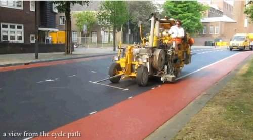 Как ремонтируют дороги в Голландии