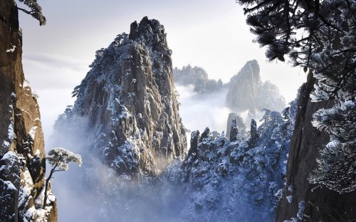 """По """"тропе смерти"""" к вершине Цветочной горы"""