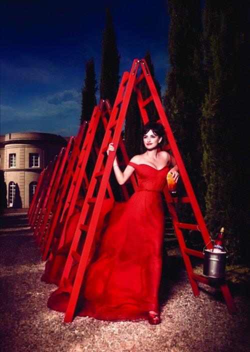 Пенелопа Крус в фотосессии для календаря Campari 2013