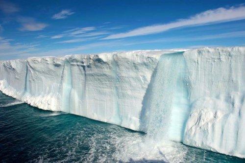 Восхитительная красота ледников и водопадов Свальбарда