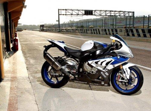 Мощный суперскоростной мотоцикл BMW S1000RR HP4 (27 фото)