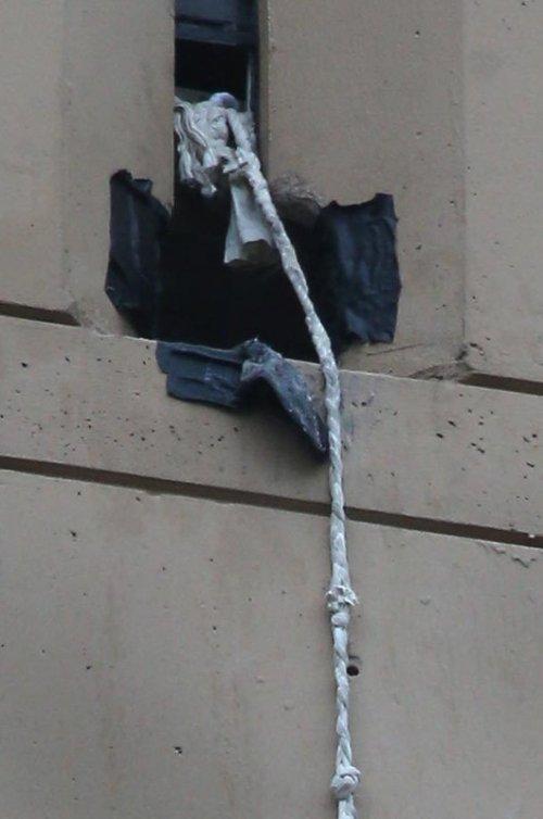 Побег из тюрьмы-небоскреба на веревках из простыней
