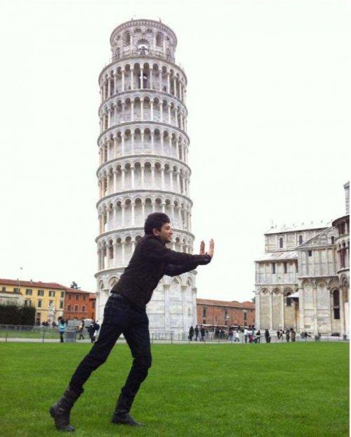 Как отфотошопили друга на фоне Пизанской башни
