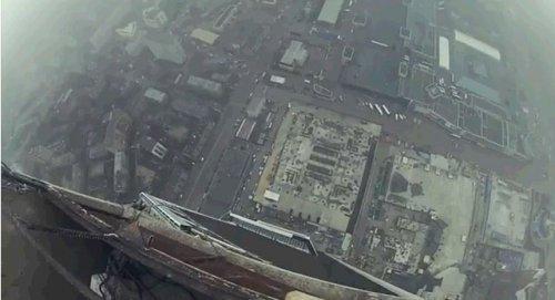 Как незаконно взобраться на самый высокий небоскрёб в Европе