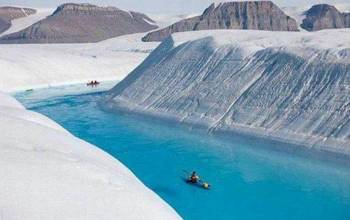 Захватывающая дух красота Голубой реки в Гренландии