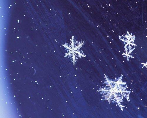 Красивые обои со снежинками 25 шт