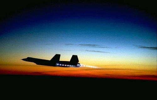 """Lockheed SR 71 Blackbird – самолет, который просто улетал от ракет """"земля-воздух"""""""