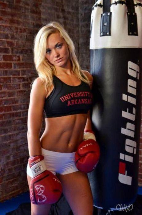 Фотографии стройных девушек в отличной спортивной форме (38 шт)