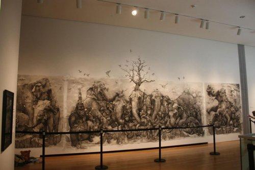 Триптих Слоны Адонны Карэ, полностью выполненный карандашом