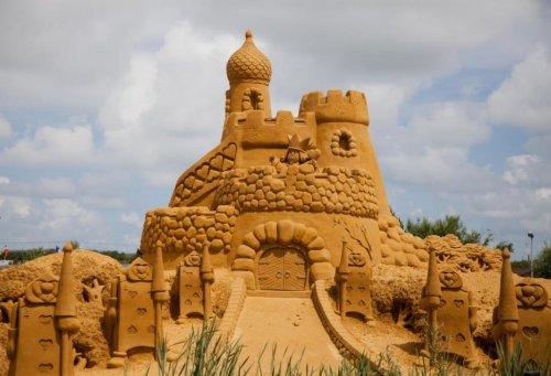 Сказочные песчаные скульптуры на фестивале в Бланкенберге