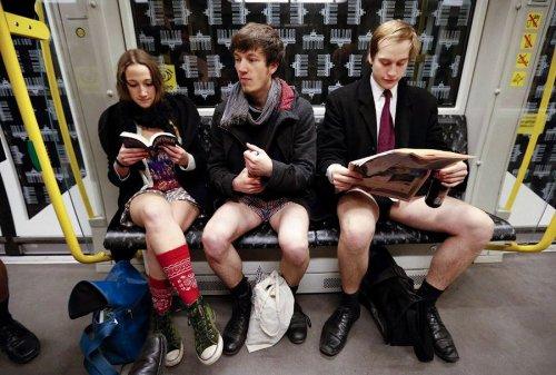 Поездка на метро без штанов – веселый флешмоб, прошедший в 60-ти городах мира