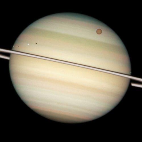 10 Невероятных изображений с телескопа Хаббл