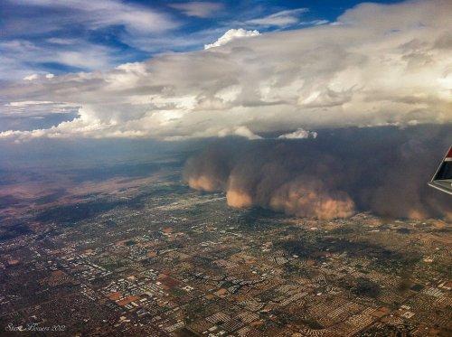Впечатляющие фотографии песчаных бурь (13 шт)