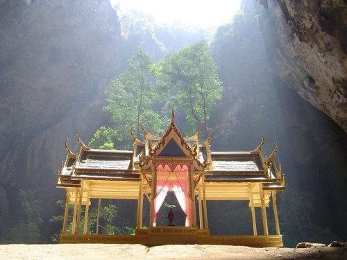 Пещера Прая Након в Таиланде
