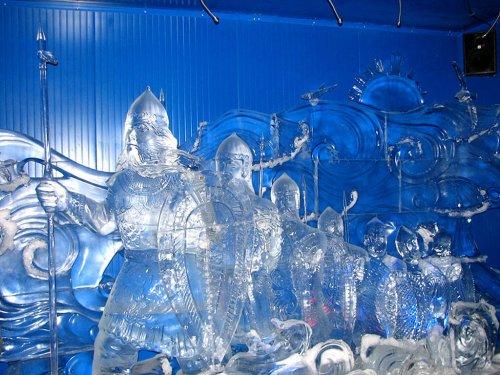 Великолепные ледяные скульптуры (17 фото)