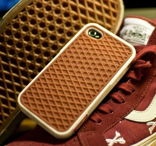 Прикольные и необычные чехлы для iPhone (31 фото)