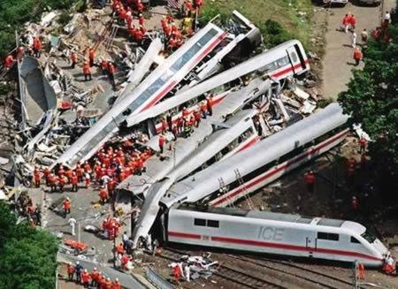 8 Самых поразительных крушений поездов
