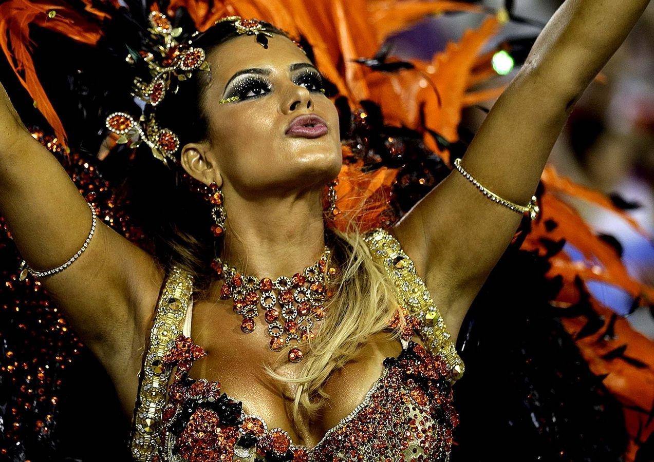 Тёлки с бразильского карнавала 2 фотография