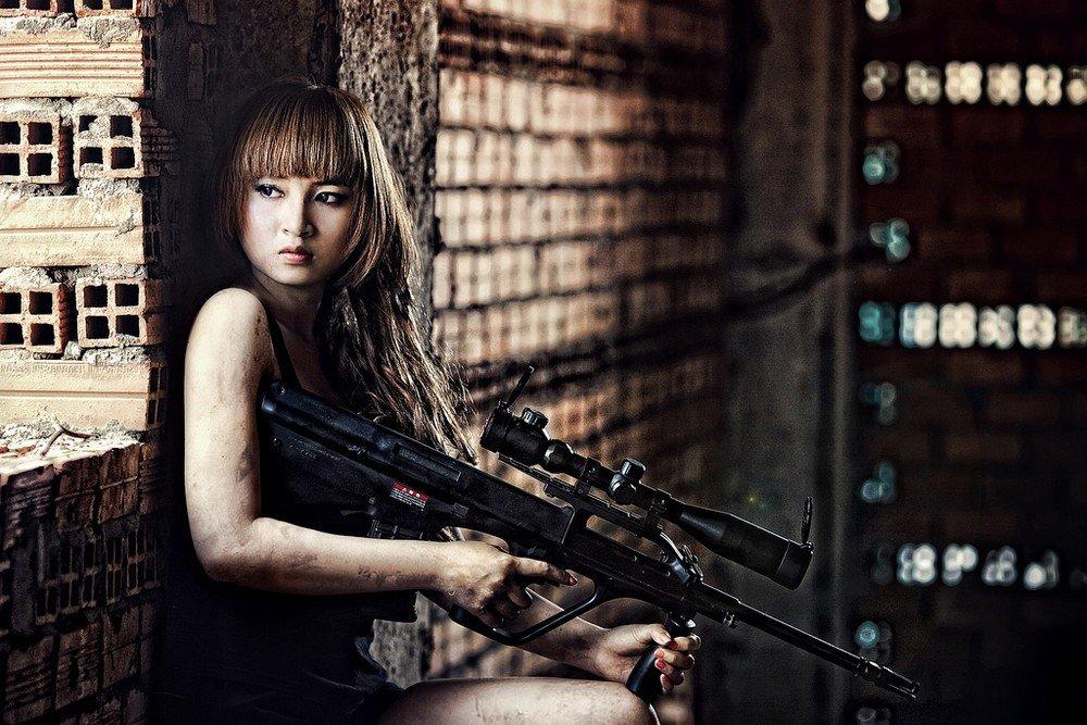 foto-moey-fotosessii-devushek-s-pistoletom