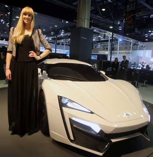 Арабская роскошь суперкара Lykan Hypersport (10 фото)
