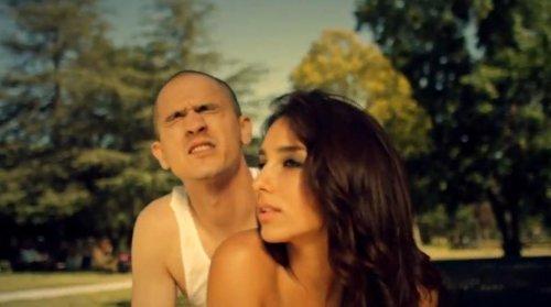 """Эротические видео иллюзии в клипе Майкла Джонса на песню """"Роcана"""""""