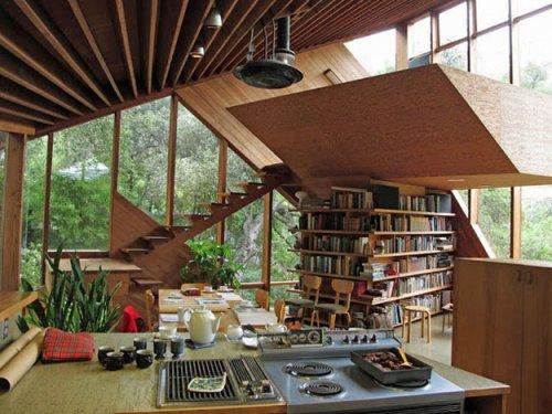Уединённые дома в лесной глуши (22 фото)