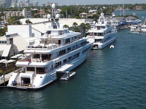 Большие и роскошные яхты (17 фото)