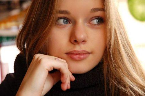 Симпатичные девушки из соцсетей (34 шт)