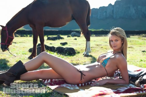 ��������������� ���� ��� � ���������� ��� Sports Illustrated Swimsuit 2013 (30 ����)