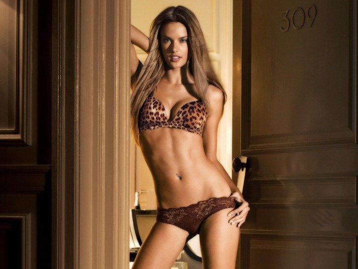 samaya-seksualnaya-top-model-mira