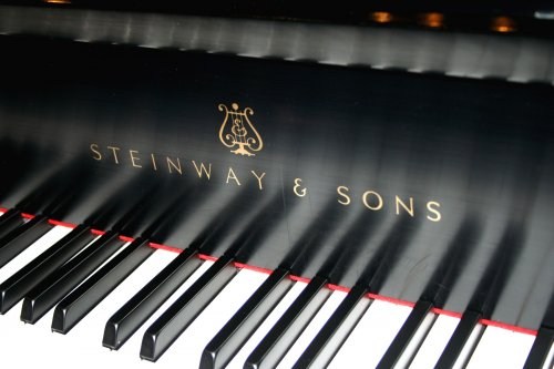 ������� �� ������� �� ������������ ���������� Steinway & Sons (28 ����)
