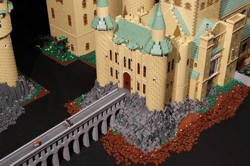 Реплика Хогвартса из 400000 деталей Лего, построенная за год