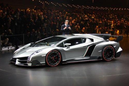 Премьеры Женевского автосалона: самый быстрый суперкар компании Lamborghini (15 фото)