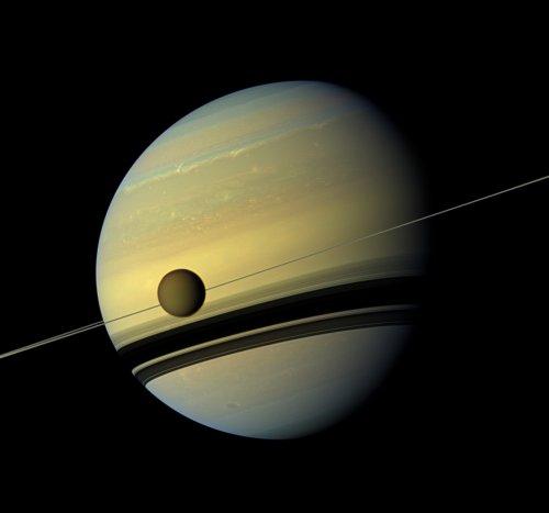 Самые впечатляющие снимки Сатурна, сделанные космическим аппаратом Cassini