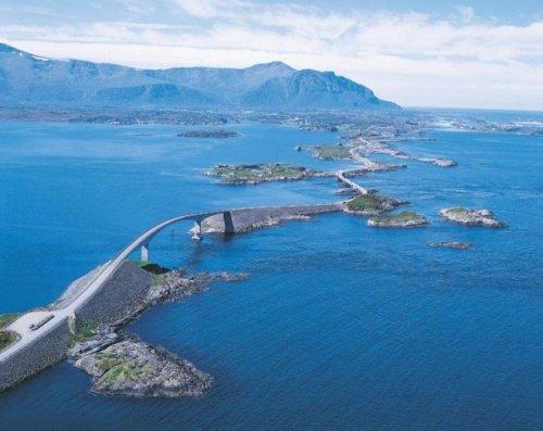 Самые живописные дороги мира (23 фото)