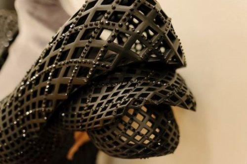 Дита фон Тиз в платье, напечатанном на 3D-принтере (12 фото)