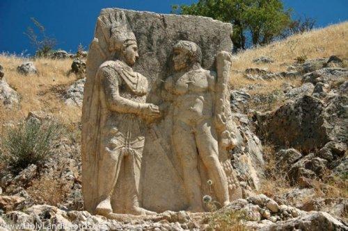 10 Потрясающих античных рельефов и примеров резьбы по камню