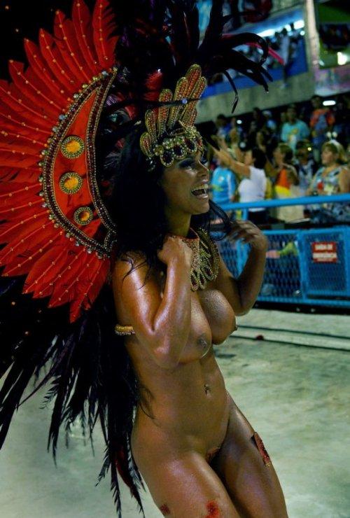 карнавал с голыми негритянками - 7