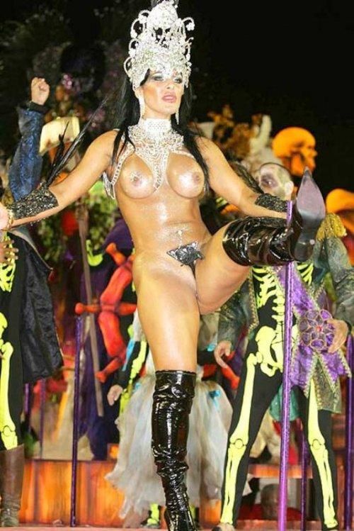 видео голых девушек на бразильском карнавале - 13