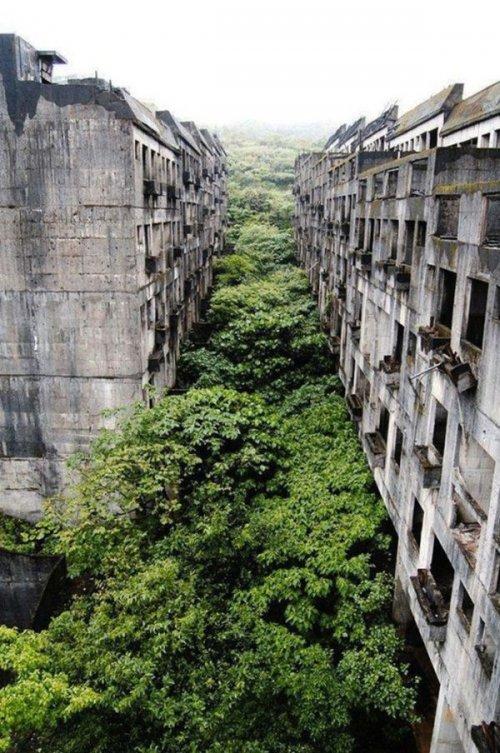 Впечатляющие фотографии заброшенных мест (32 шт)