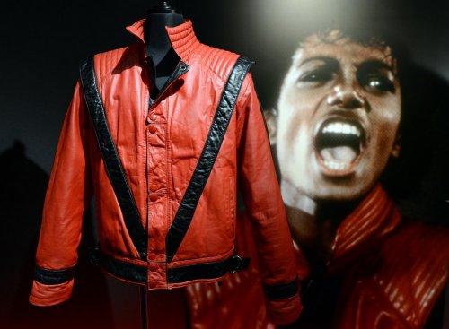 Самые дорогие предметы одежды, проданные с аукциона