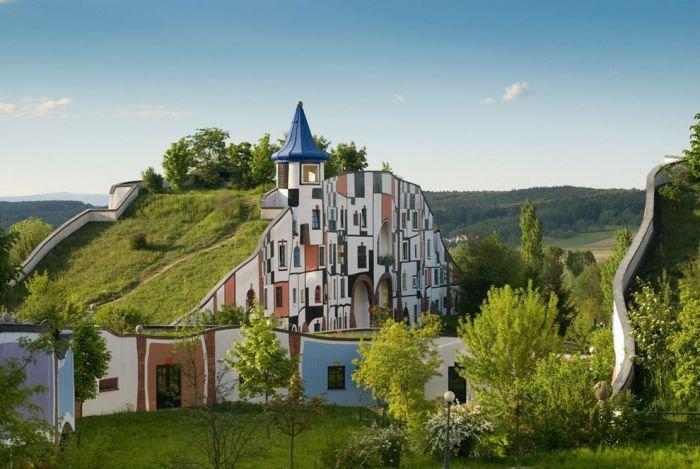 Необычные дома вписанные в
