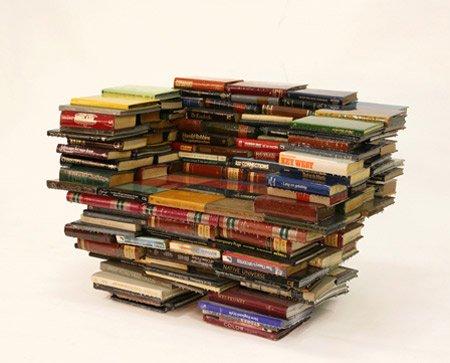 10 Самых креативных предметов мебели на книжную тематику