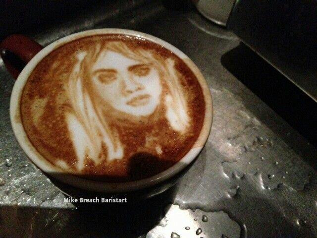 """Картинки по запросу """"бариста на кофе делают портрет гостя"""""""