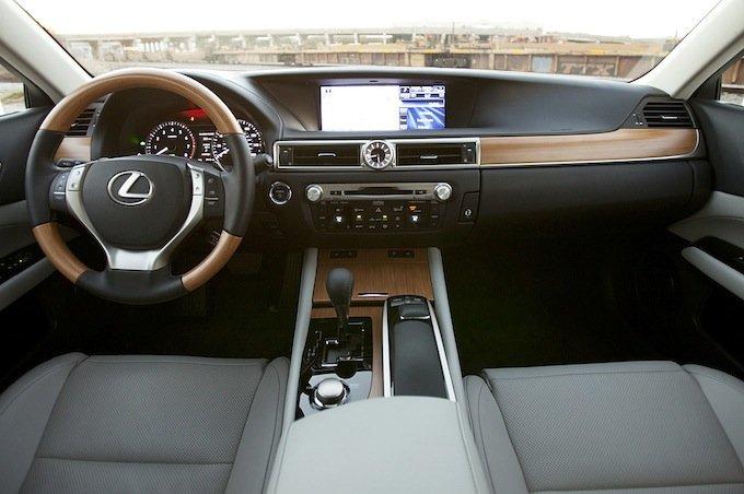 лучший автомобиль 2013 года:
