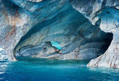 Самые впечатляющие пещеры мира (27 фото)