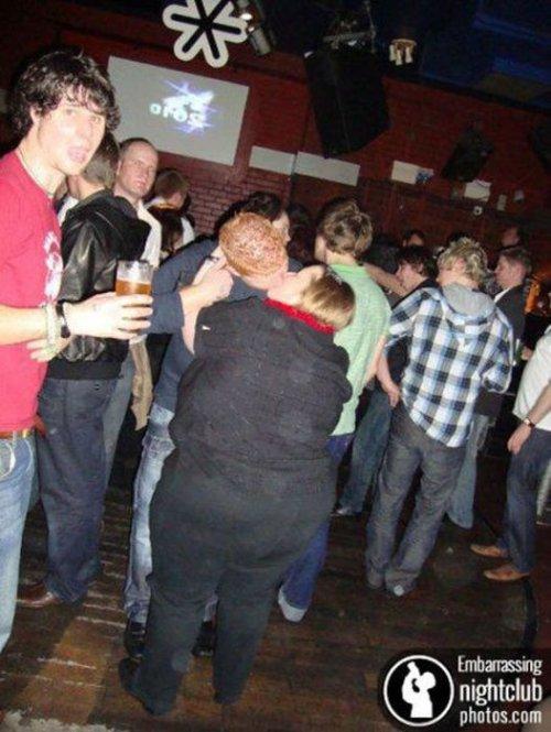 Как молодёжь отдыхает в ночных клубах (34 фото)