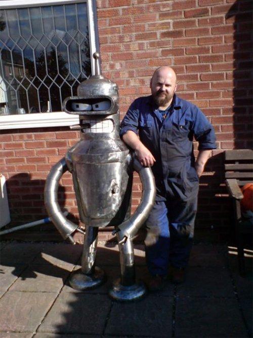Как самостоятельно сделать робота Бендера из Футурамы (51 фото)