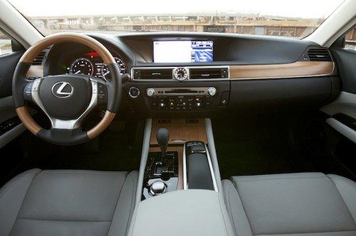 10 Лучших интерьеров моделей автомобилей 2013-го года